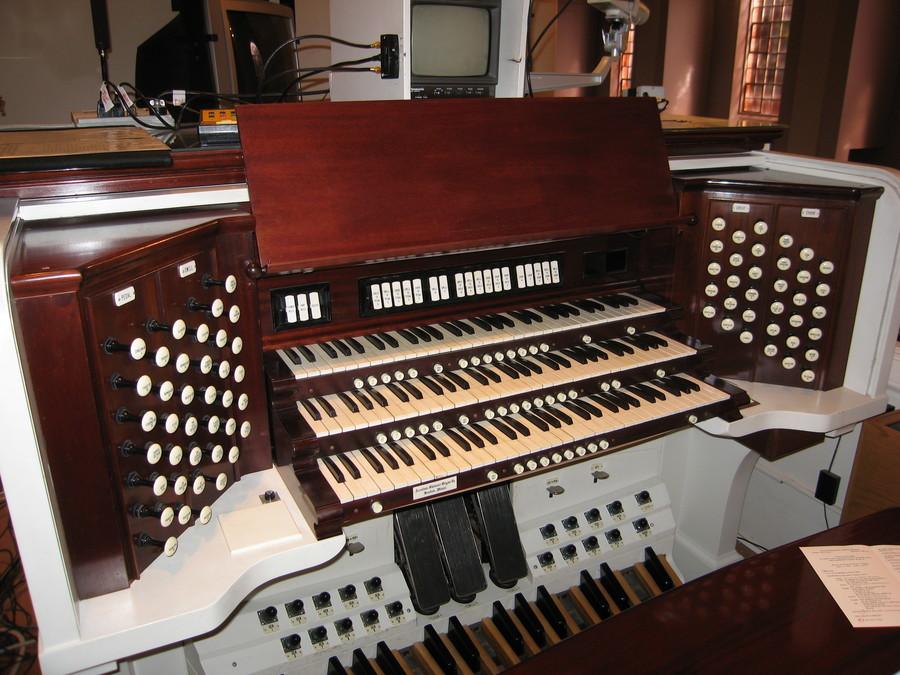 rodgers organ model 830 owners manual